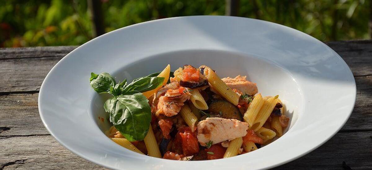 CoolWNS · Паста с баклажанами, помидорами и тунцом (Сицилиана)