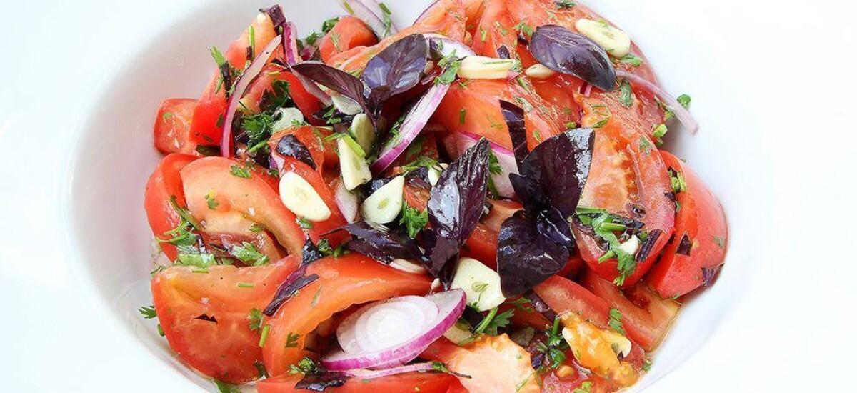 CoolWNS · Салат из летних помидоров с фиолетовым базиликом