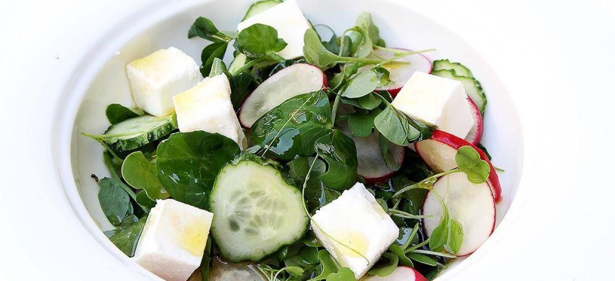 CoolWNS · Салат с фетой и проростками гороха