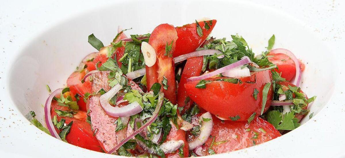 CoolWNS · Салат из помидоров с летними травами