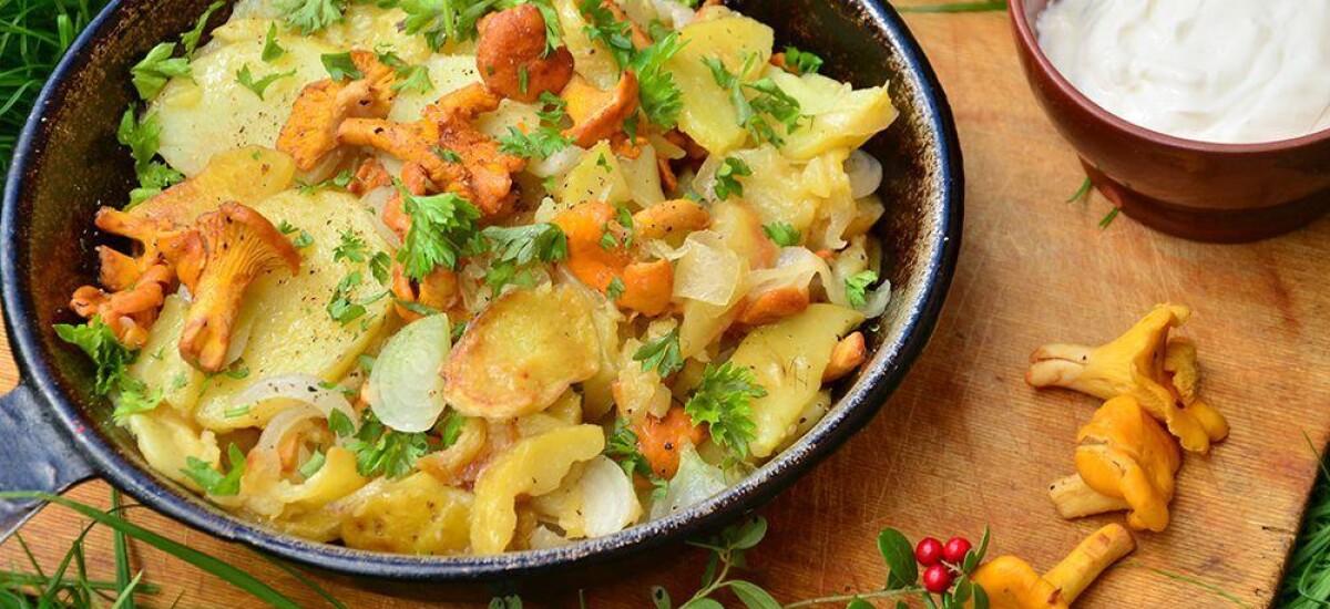 CoolWNS · Жареная картошка с лисичками на сковороде