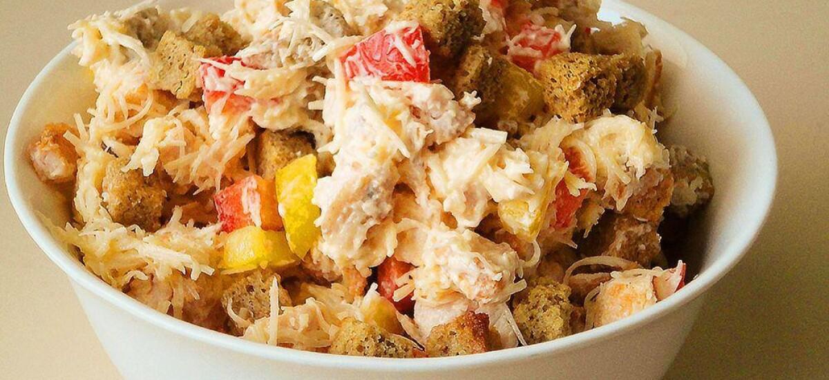 CoolWNS · Салат с курицей и сухариками