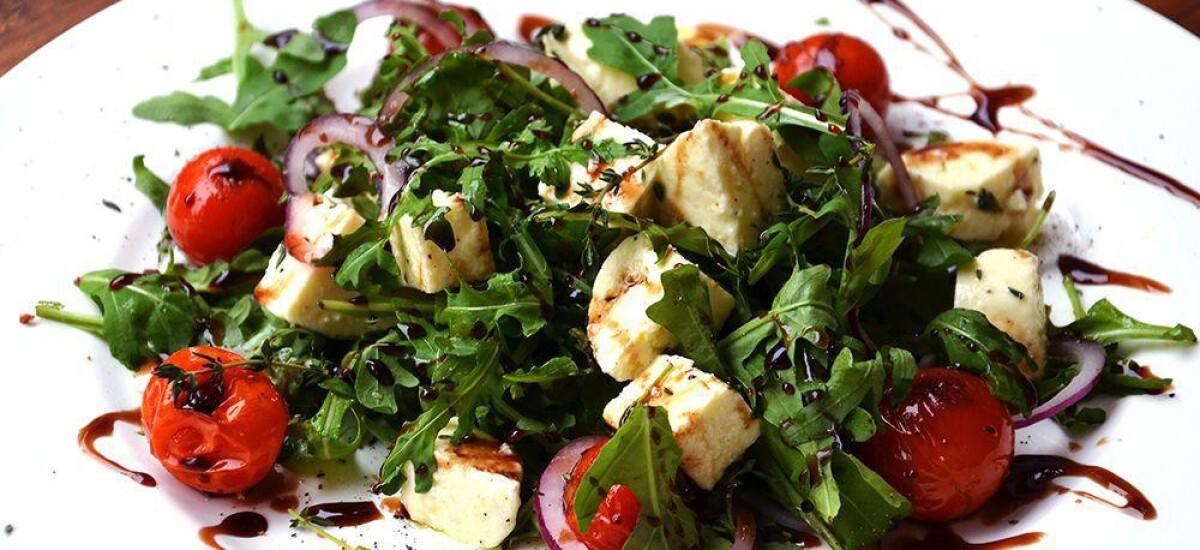 CoolWNS · Салат с рукколой помидорами и сыром моцарелла