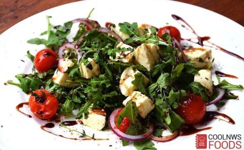 Салат с домашним сыром