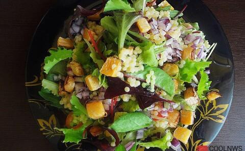Салат с печеной репой и израильским кус-кусом