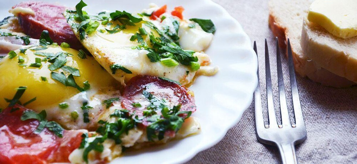 CoolWNS · Яичница с краковской колбасой и помидорами