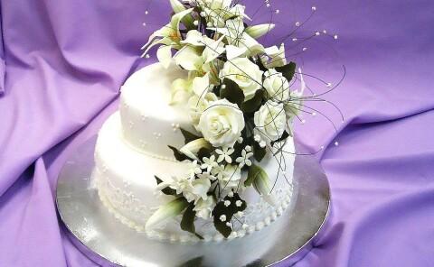 Торт «Лилии и Розы»
