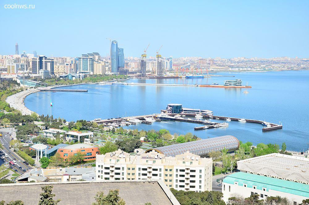 Вид на город и бухту. Вдоль проспекта Нефтянников